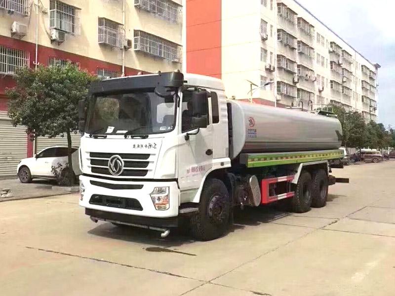 国六东风专底洒水车
