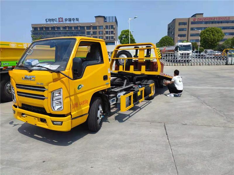 河南许昌4.2米平板拖车清障车厂家直销