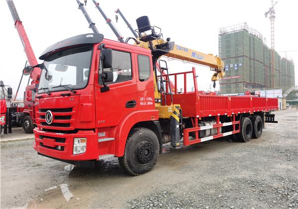 国六东风锦程V6后八轮10吨徐工随车吊