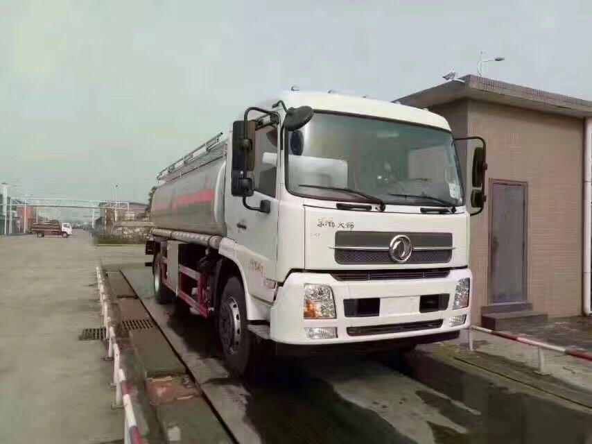 天锦柴汽煤运油车13方加油车便宜出售