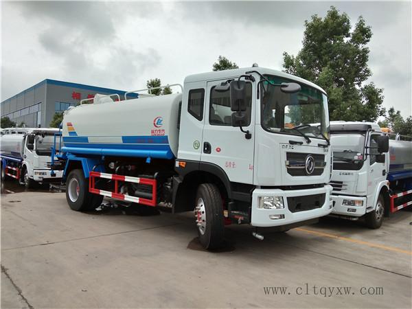 东风D9系列12吨洒水车