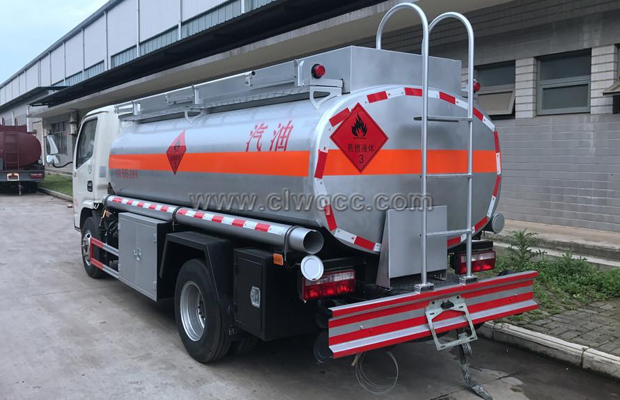 東風5噸油罐車
