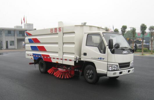扫路车清扫道路比人工清扫效率高清扫更干净