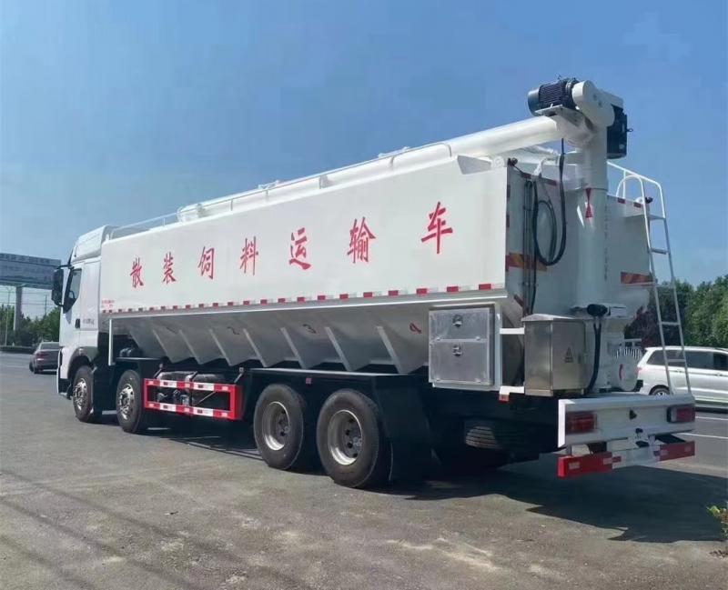 柳汽前四后八国六(40方)散装饲料运输车图片