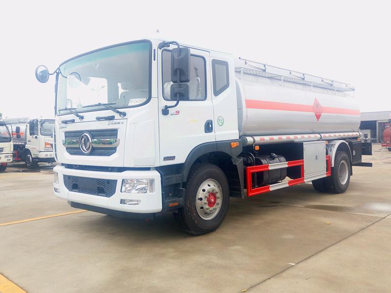 東風D9多利卡(12噸)加油車