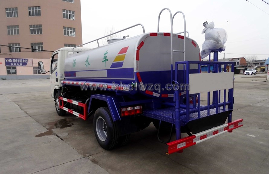 東風多利卡5噸灑水車