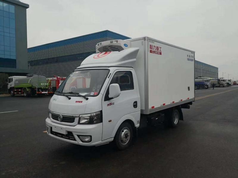 东风途逸柴油国六小型冷藏车