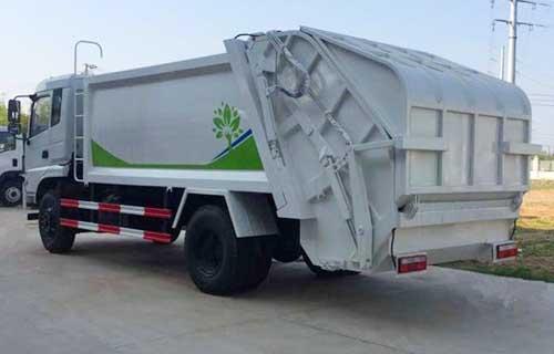 东风新款153压缩式垃圾车