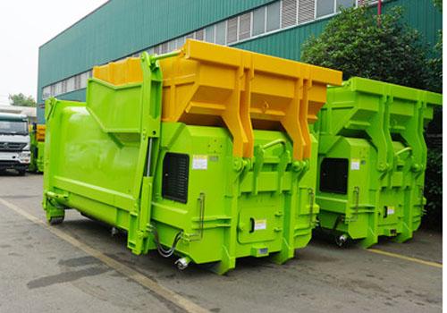 8立方米移动压缩垃圾箱