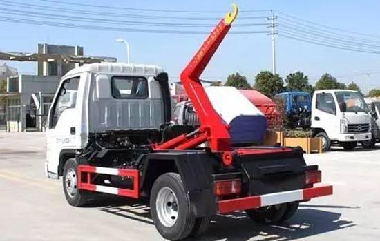 国六小型勾臂垃圾车_福田小卡4方垃圾车厂家价格