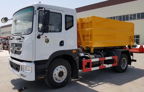 国六D9勾臂垃圾车价格_东风12方垃圾车厂家