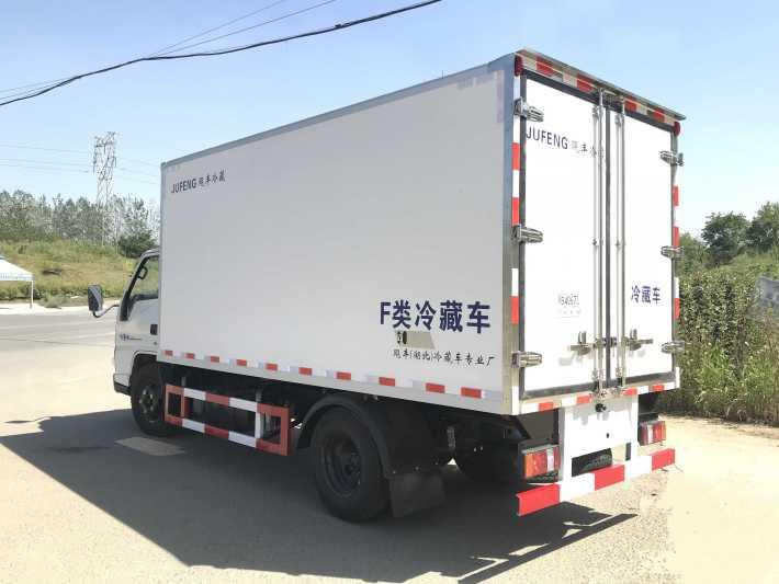 江铃顺达4.2米冷藏车