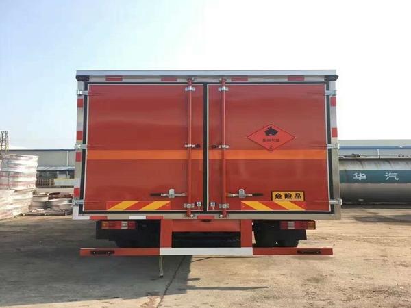 豪沃易燃气体厢式运输车