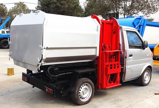 东风小康挂桶垃圾车(3)方