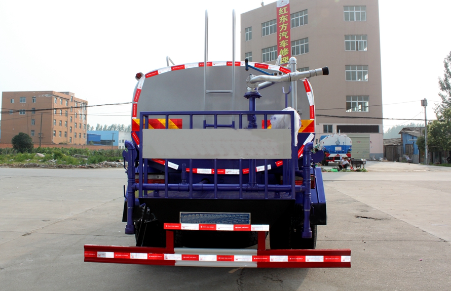 东风153 12吨洒水车