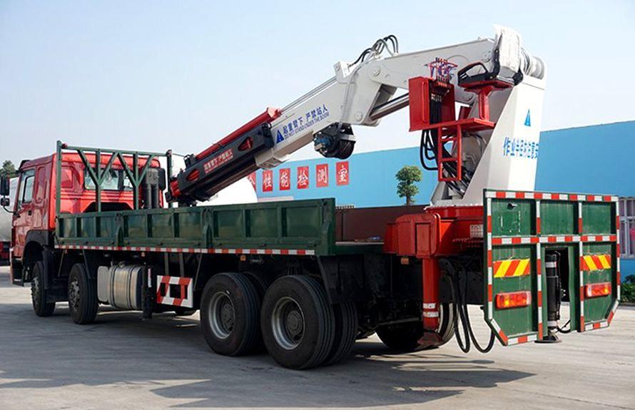 25吨大型随车吊