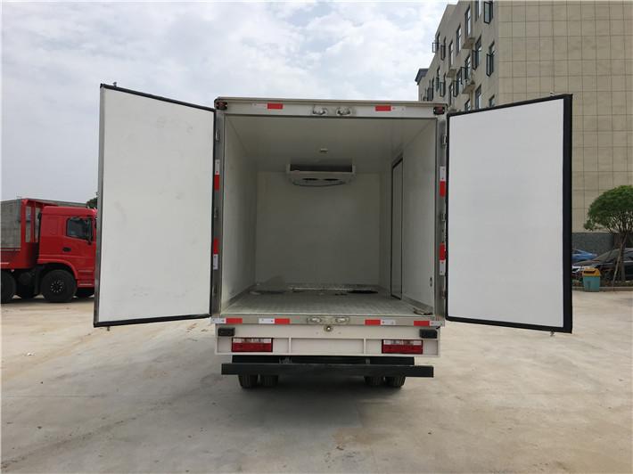 江淮帅铃国五宽体排半3.75米冷藏车