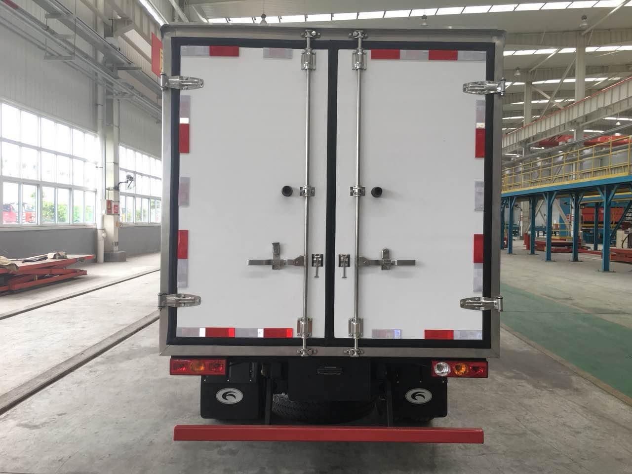 小型冷藏车(厢长3.1米广东快乐10分网址广东快乐10分网址、后双胎)
