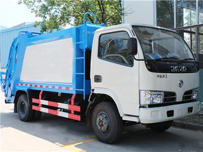东风福瑞卡压缩式垃圾车(5方)