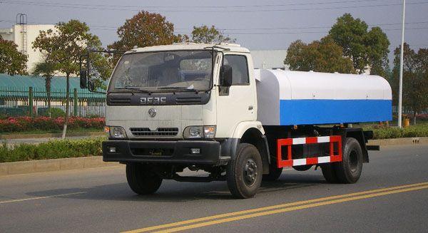 東風輕型自卸式垃圾車