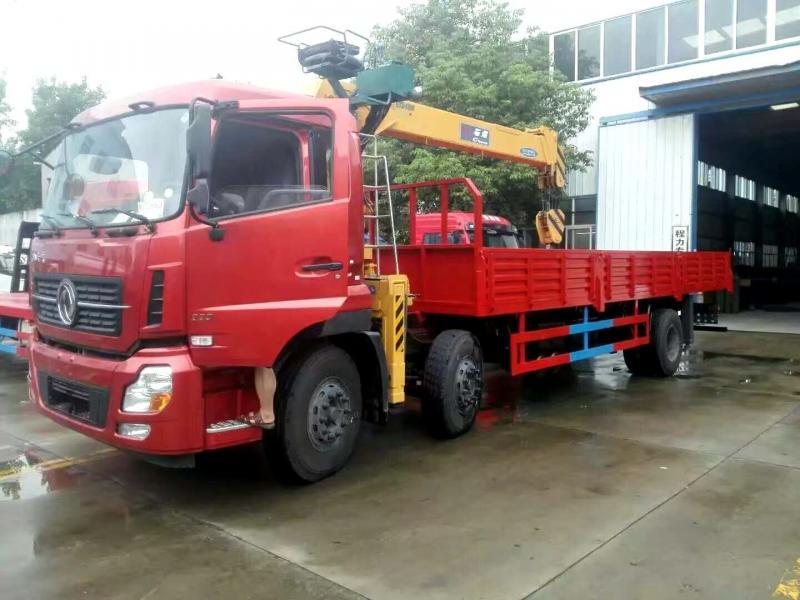 東風天龍小三軸10噸隨車起重運輸車