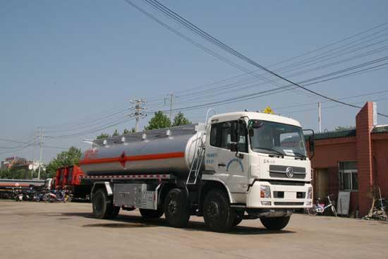 东风小三轴运油车(SLS5253GYYD4)