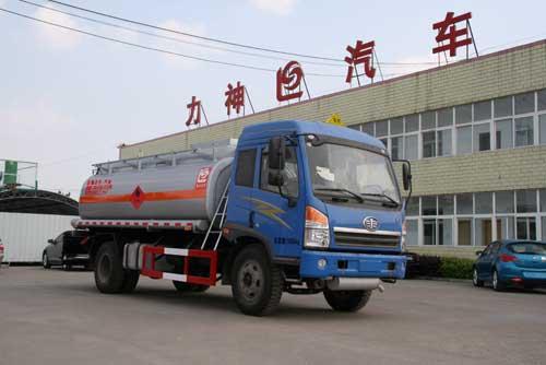 青岛解放4*2运油车(SLS5167GJYC4)
