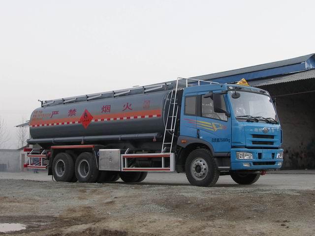 青岛解放6*4加油车(SLS5250GJYC4Q)