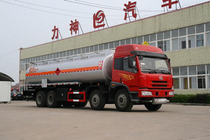 青岛解放前四后八加油车(SLS5313GJYC4Q)