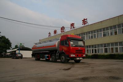 青岛解放小三轴加油车(SLS5254GJYC4Q)