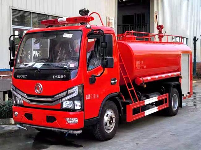 东风小多利卡国六4吨消防洒水车