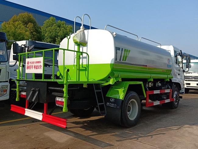 东风福瑞卡F9洒水车(12吨)