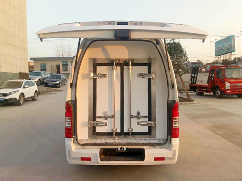 福田G7商务面包型冷藏车