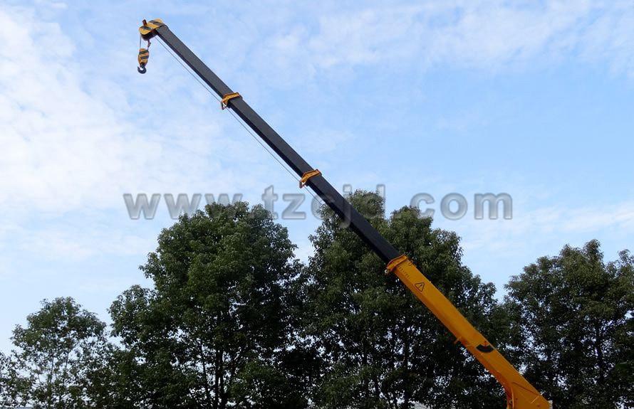 东风御龙12吨随车吊