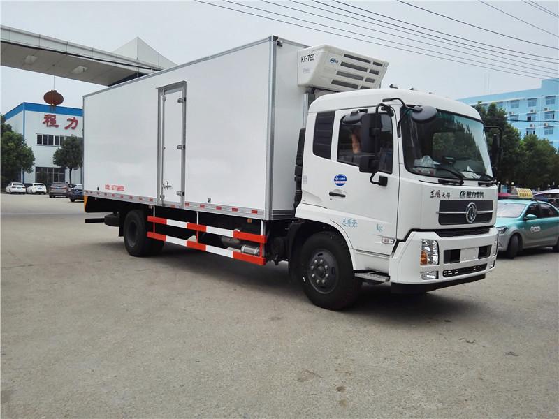 東風天錦7.4米冷藏車