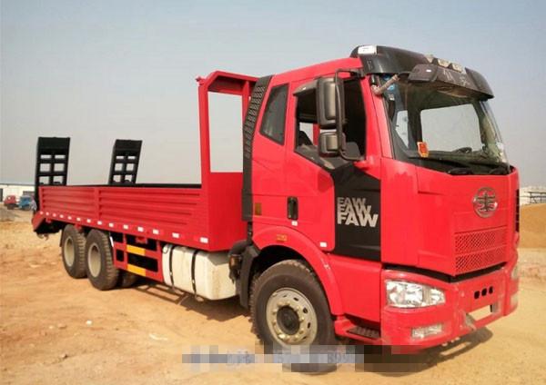 解放J6后八轮平板运输车|大型挖机运输车